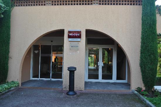 Hôtel Mercure Antibes Sophia Antipolis : Entrée