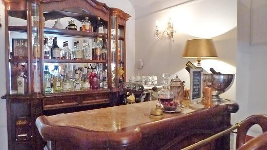 Antiq Hotel: Bar