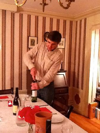Les Molyneux: Jiles opening wine in Dining Room