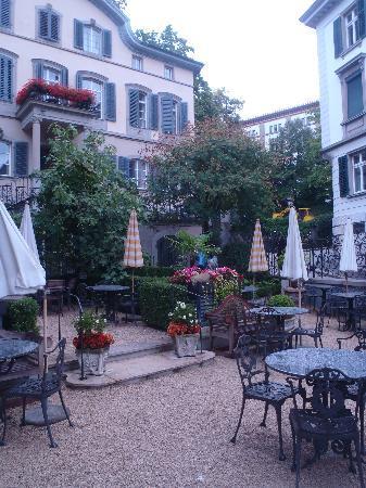 Hotel Florhof: Courtyard