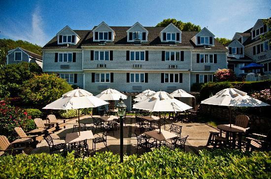 The Inn at Scituate Harbor: Patio at the Dogwatch