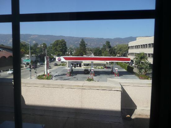 Hampton Inn Santa Barbara/Goleta : Our view from room 341