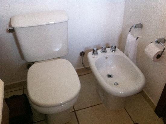 Azeda Boutique Hotel: Bathroom is clean enough