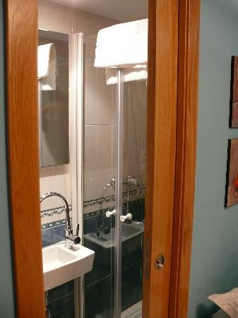 PR Badalada: baño comleto en armario