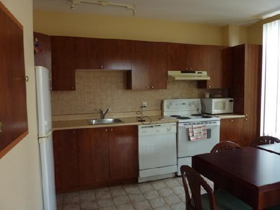 Habitation du Vieux Montreal : Full kitchen