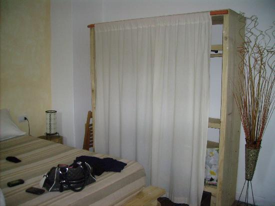Doccia a muro picture of b b albaluccia palau tripadvisor