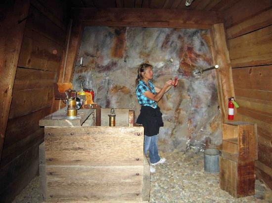 Western Museum of Mining and Industry: Properly handling and placing dynamite in the mine