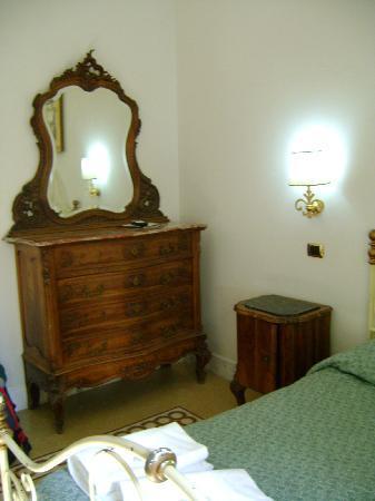 Carlito Hotel and Hostel: Habitación del Hostal