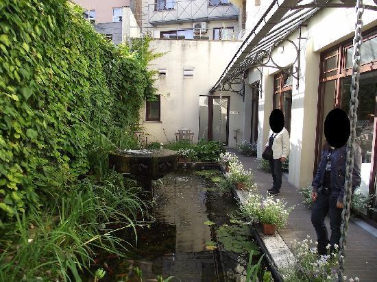 Flanders Hotel: il patio