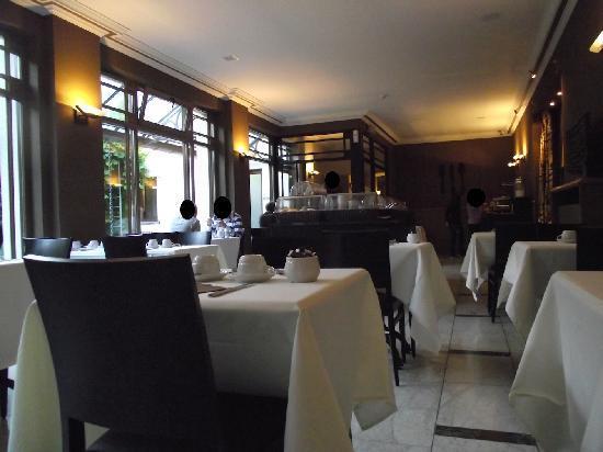 Flanders Hotel: sala colazione
