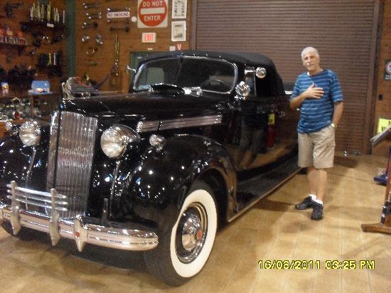 Fort Lauderdale Antique Car Museum: 1 dos muitos automóveis expostos