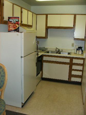 The Rita Suites: Kitchen Area