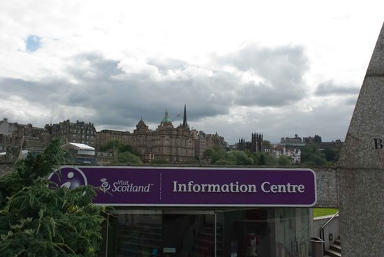 VisitScotland Edinburgh Icentre: Look for the purple signs