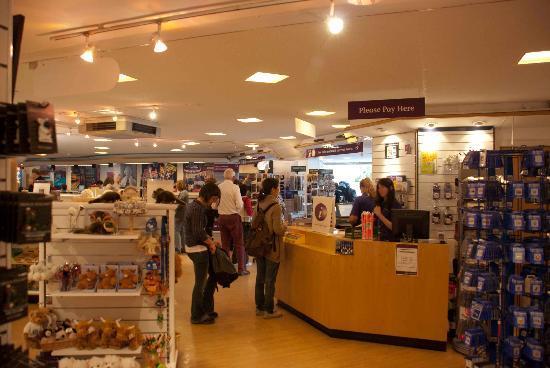 Edinburgh VisitScotland Information Centre: Inside the centre