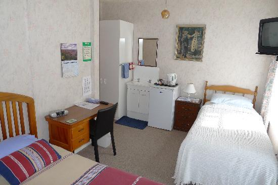 Thistle Guest House: Triple room