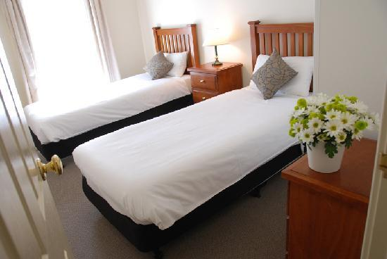 Majestic Old Lion Apartments - Twin Room in 2 Bedroom Apartment