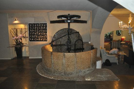 Le Moulin de Mougins : Meule et salon