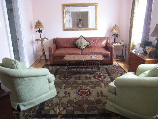The Gardens Hotel: the sitting room