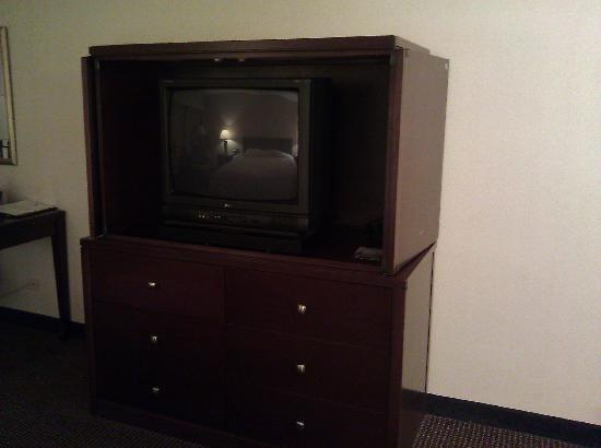 Holiday Inn Minneapolis Arpt SE - Mall Area : Old Zenith tube TV