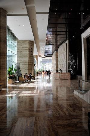 เดอะ ริทซ์ คาร์ลตัน เซี่ยงไฮ้ ผูตง: Entrance lobby area