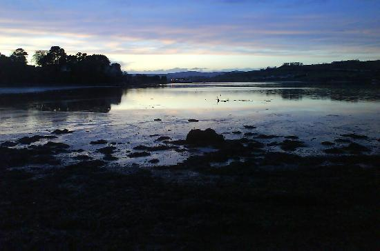 Underhill Cottage: Twilight on the river Teign