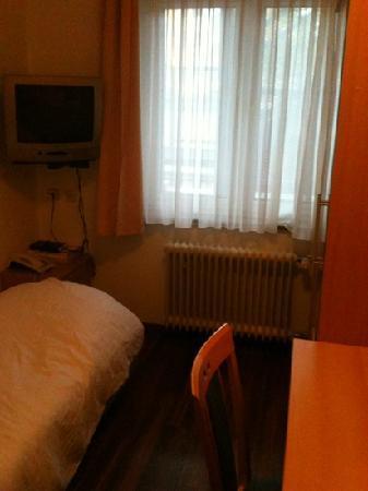 Hansa Hotel: eine Jugendherberge ist besser!