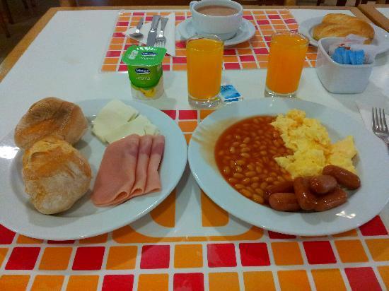 Dom José Beach Hotel: o meu peq almoço eh eh