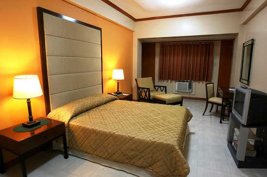 Jupiter Suites: Deluxe Room