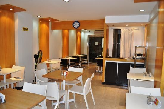 Jupiter Suites: Restaurant