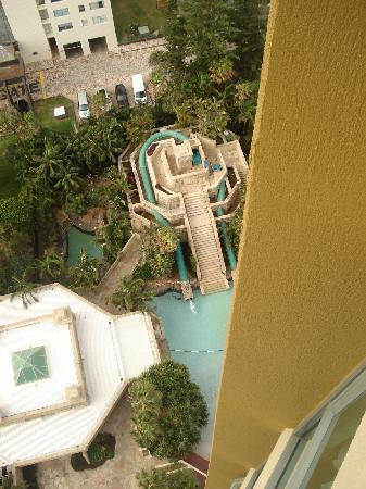 Mantra Sun City: The pool and hydo slide