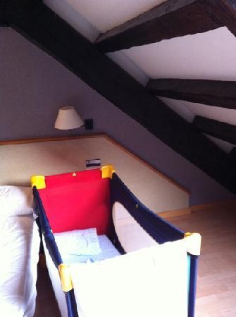 Hotel Sant Agusti : 405 lettino baby