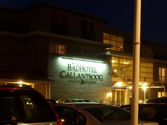 Fletcher Badhotel Callantsoog: Hotel am Abend