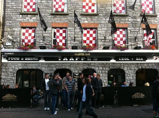 Taaffes Pub: Taaffes Irish music pub