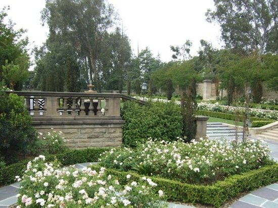 Beverly Hills, CA: Greystone Mansion and Park