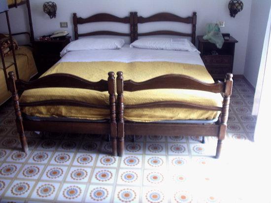 Hotel Terme Parco Edera: camera quadrupla uso doppia