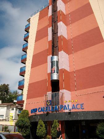 H·TOP Calella Palace & Spa : ascenseur exterieur