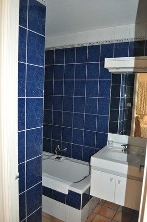 Auberge de Cassagne & Spa : salle de bains