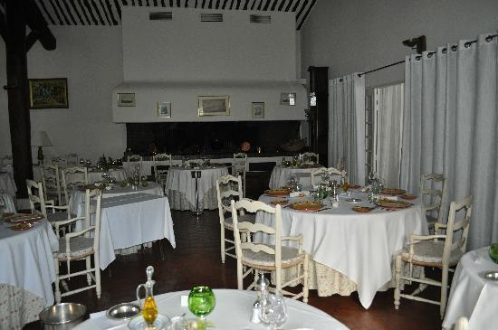 Auberge de Cassagne & Spa : salle à diner
