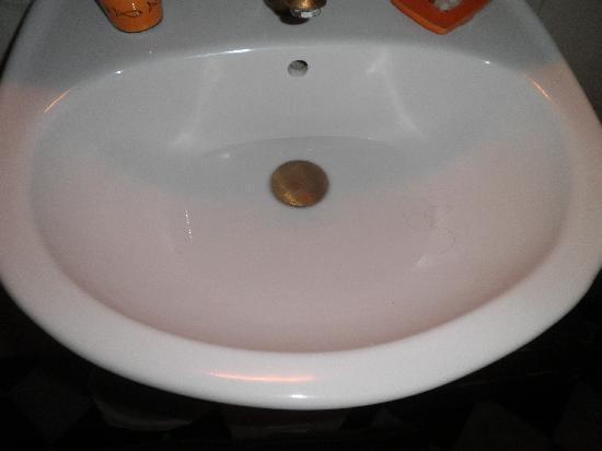 La maison des artistes: lavabo