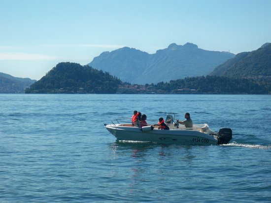 AC Boat: Discover Lake Como on board of our boats is of course the best choice