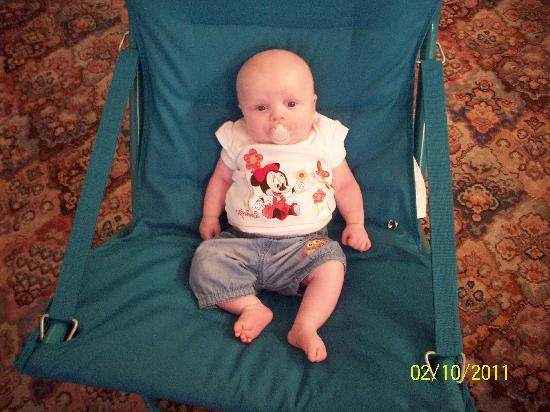 The Beeches Hotel, Blackpool: My daughter enjoying one of the sunloungers provided :)