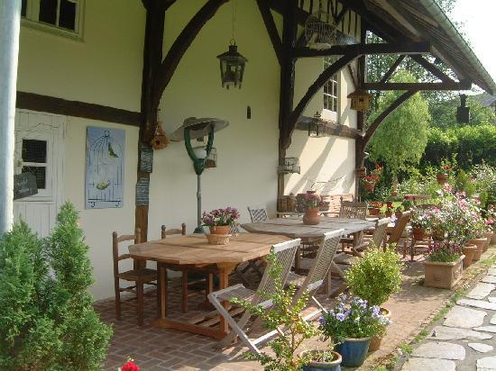 Chambre d' hôtes de charme Le Moulin Saint Nicol : La terrasse