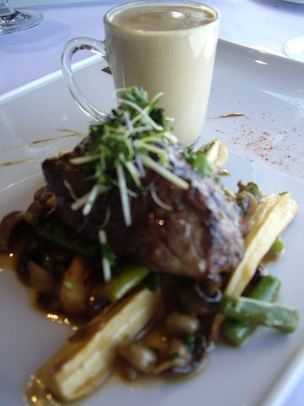 Le Poivre Noir : Beef with Mousseline of Apple and Mushroom