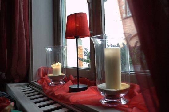 Cafe Rose Red: Finestra