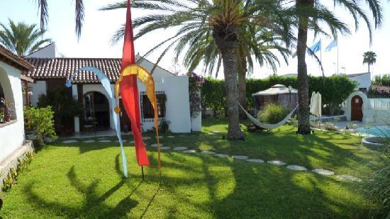 Birdcage Resort Gay Lifestyle Hotel : giardino