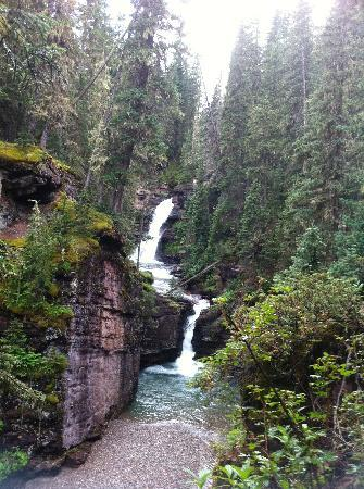 Villa Dallavalle : Hike up South Mineral falls