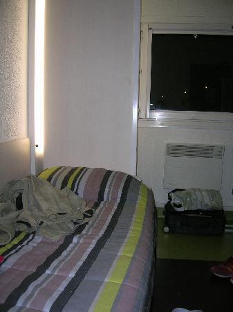 hotelF1 Gap : letto finestra