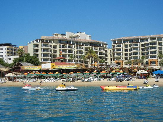 Villa del Arco Beach Resort & Spa Cabo San Lucas: View of Mango Deck from water taxi.