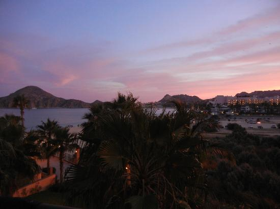 Villa del Arco Beach Resort & Spa Cabo San Lucas: Sunset from our balcony.