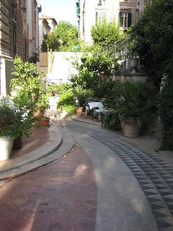 Hotel Emona Aquaeductus: Garden